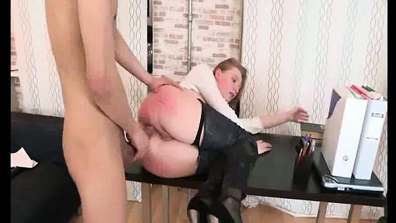 Порно онлайн секретарша анал